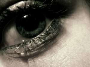 tears_arab_woman_platform